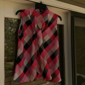 ❤️NINE WEST Pink/Gray Sleeveless Tie Front Blouse